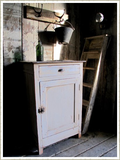 painted cabinet 3