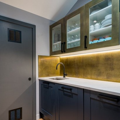 aged brass splashback kitchen bubblehub
