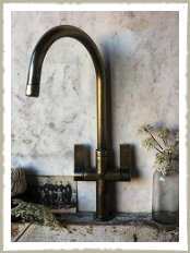 Quirky Interiors Taps Antique Brass Taps Old Looking Taps Brass