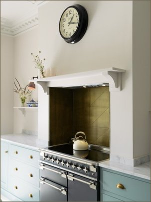 devol brass splashback close